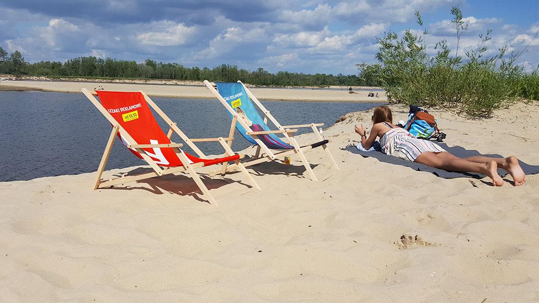 Leżaki hotelowe na plażę